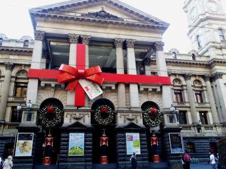 Melbourne Town Hall Image Source: The Vibe 101